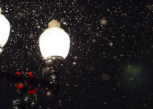 Closeup of street lghts in the snow